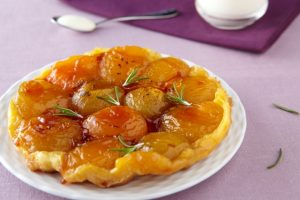 Inbakad aprikospaj med smak  av rosmarin